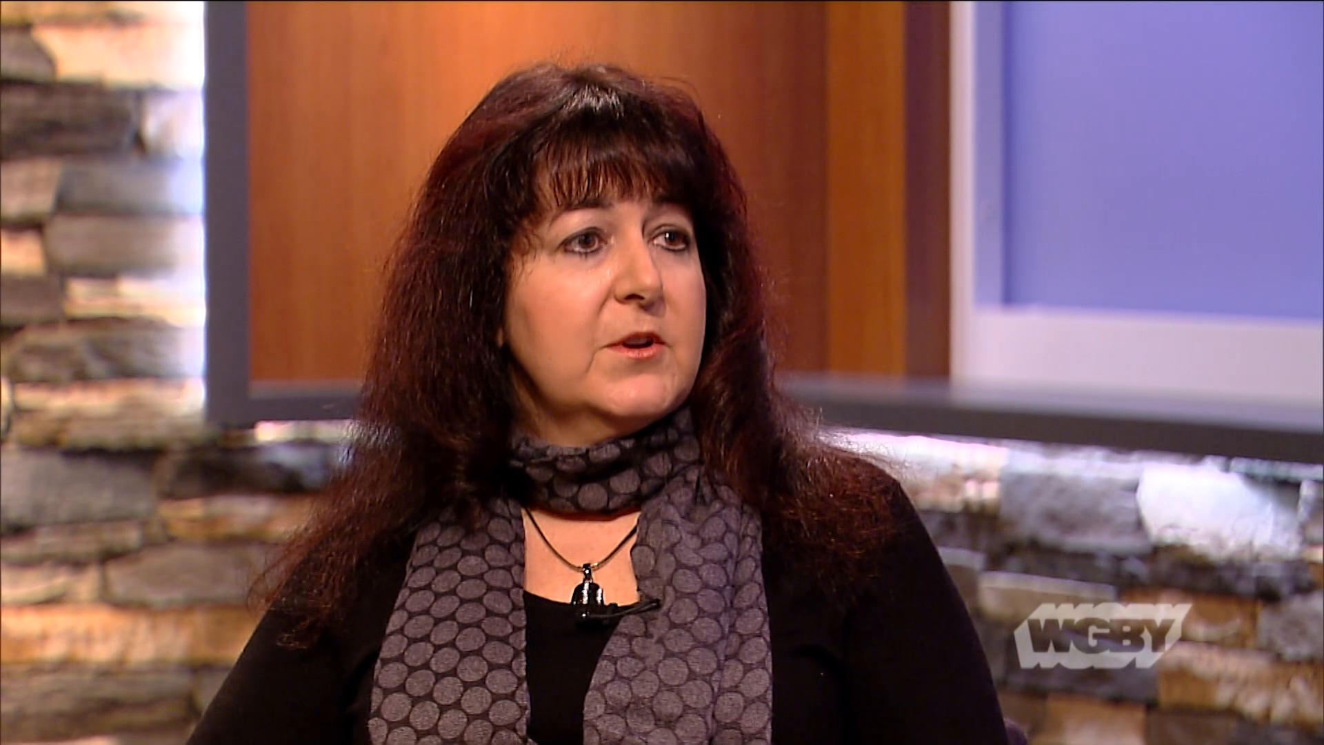 Greylock Federal Credit Union VP Cindy Shogry-Raimer discusses how her bank helped federal employees who missed paychecks during the government shutdown.