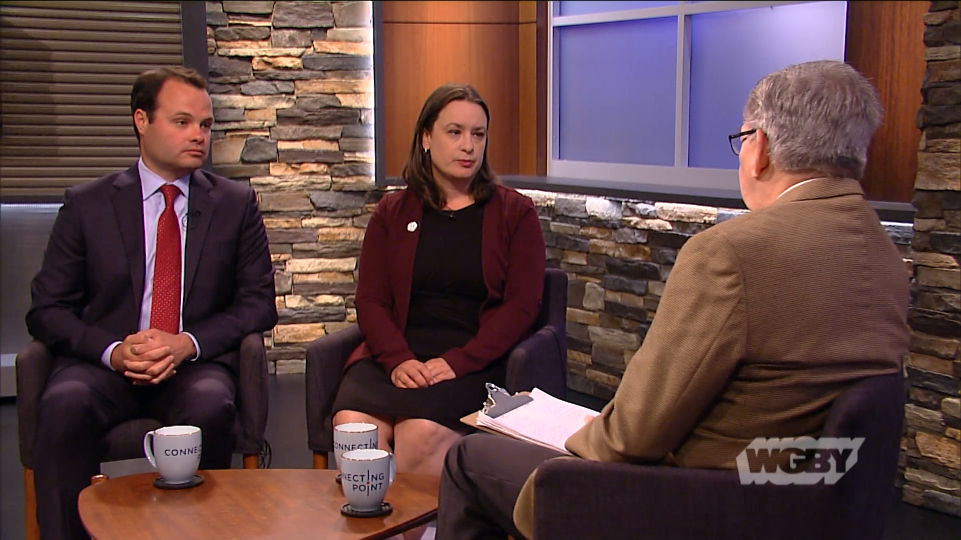 Sen. Eric Lesser & Rep. Lindsay Sabadosa share details about proposed hands-free cell phone legislation banning cellphone use while driving in Mass.