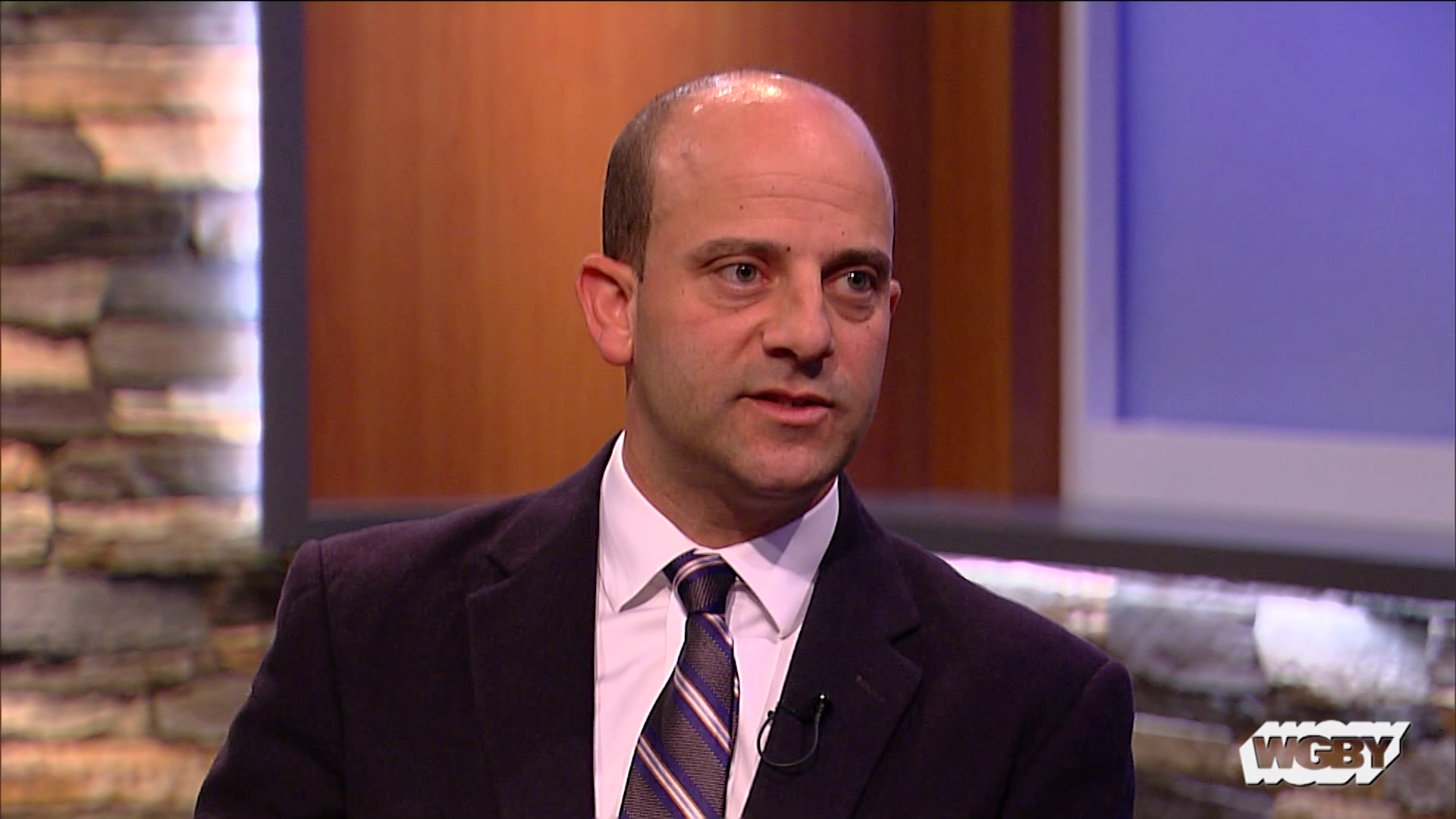 To mark Lung Cancer Awareness Month, Dr. Laki Rousou discusses Holyoke Medical Center's lung cancer screening program and signs of lung cancer.