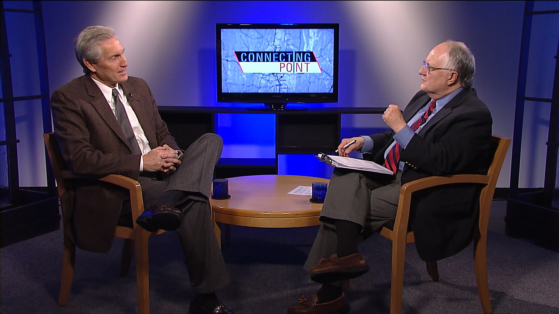 Former political consultant Paul Robbins and Jim Madigan explore the political landscape heading into the 2016 election on November 8, 2016.
