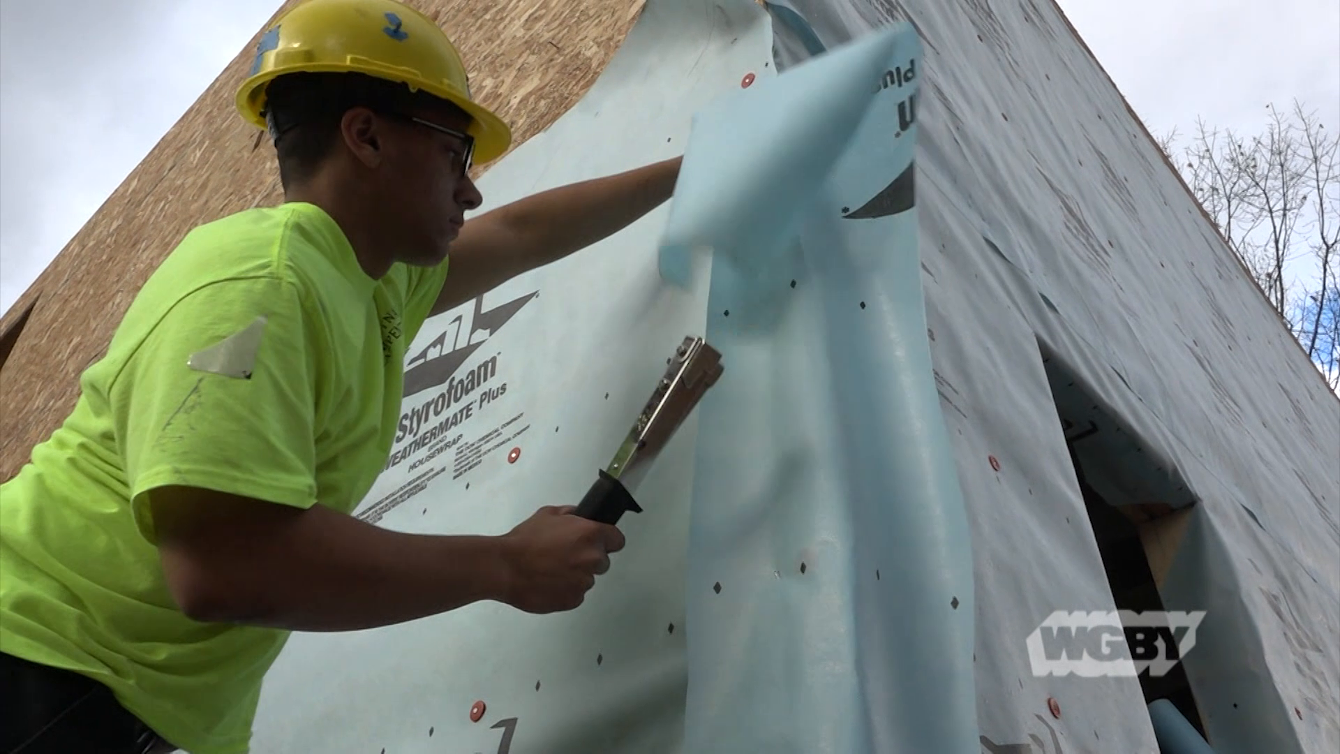 Putnam Vocational Technical Academy carpentry students are putting their skills to work and helping those in need by partnering with Habitat for Humanity.