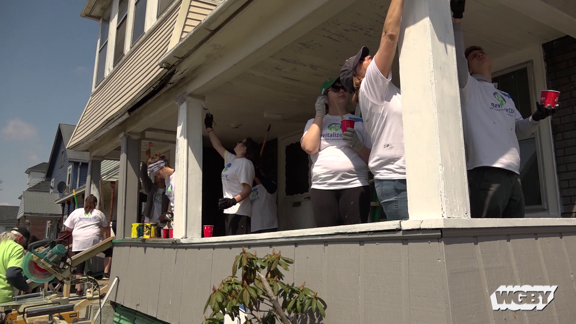 Tag along on Revitalize CDC's latest #GreenNFit project, which focused on renovating Manhattan Street in Springfield's Old Hill neighborhood. Volunteers worked on more than a dozen properties painting, landscaping and beautifying the homes of several residents who don't have the means to do the work themselves.