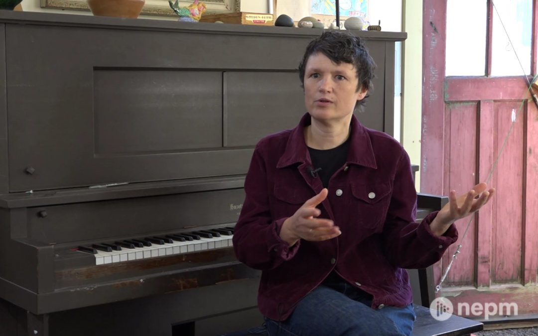 Singer-Songwriter Carrie Ferguson