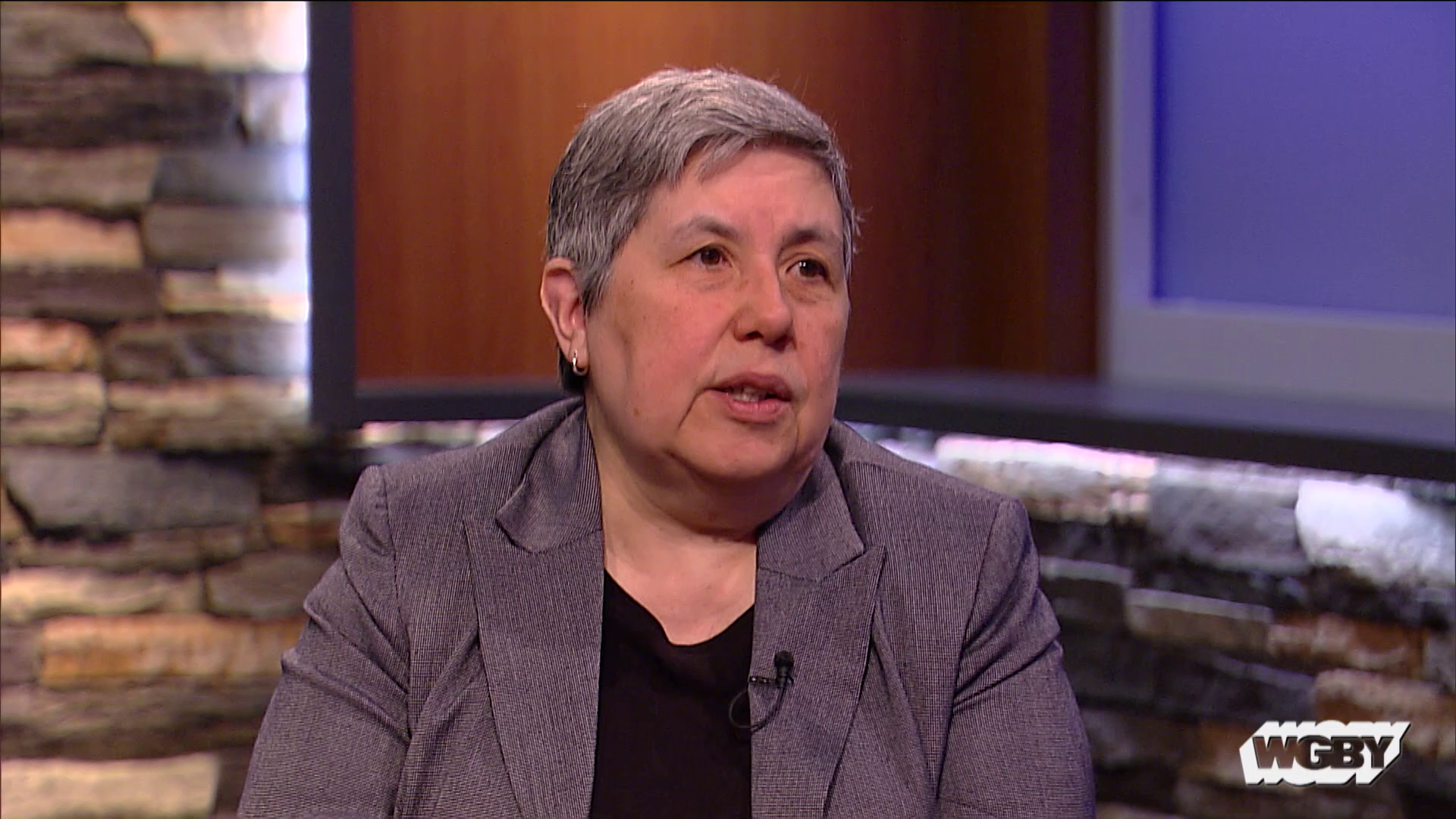 South Texas native and Smith College Prof. Velma García talks about the tense situation at the US-Mexico Border & President Trump's call for a border wall.