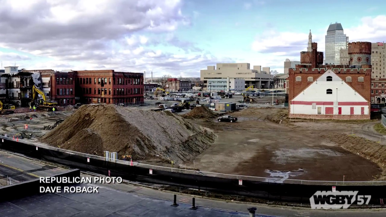 Springfield Republican and Masslive photographers Don Treeger & Dave Roback show off their most recent images of the casino construction in Springfield.